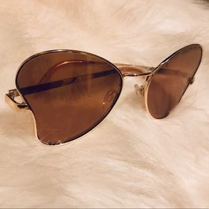 Betsey  Johnson sunglass